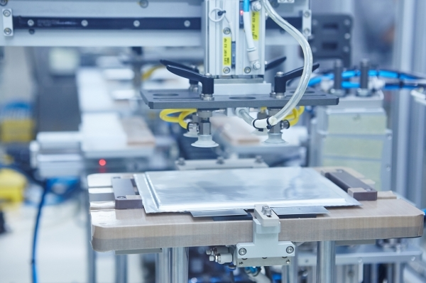SK Innovation's Seosan plant, electric vehicle battery cells are being produced.