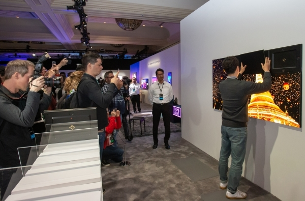 A Samsung Electronics employee demonstrates a modular Micro-LED TV in Las Vegas in January, 2020.