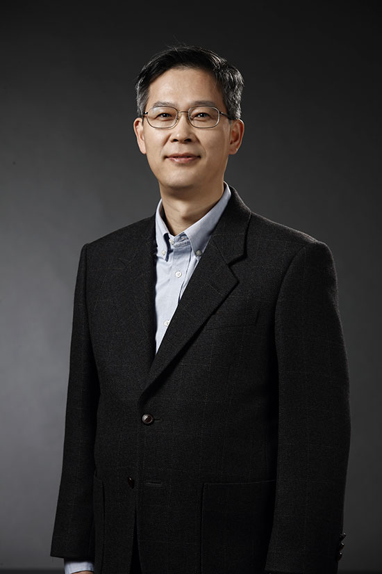 Lee Jung-bae, head of Samsung's memory business, was named the new chairman of KSIA. Image: Samsung